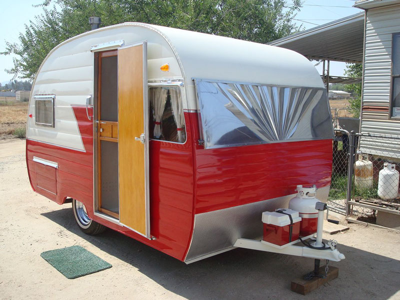http://cannedhamtrailers.com/57shasta/outsidefinished6.jpg